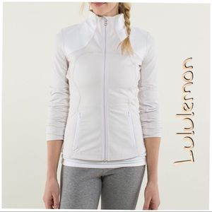 Lululemon Forme Jacket in Dune/White